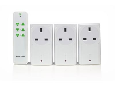 LightwaveRF Wireless Control Plug-In Socket Kit (on-off) w Remote x 3 WH